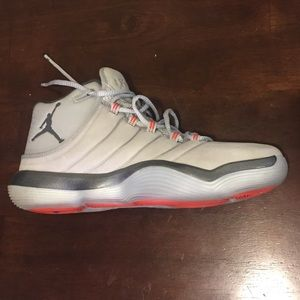 Jordan Super Fly 2017 grey with red accents